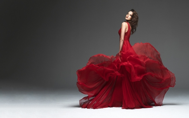 brunettes_women_red_dress_1950_2560x1600_artwallpaperhi.com